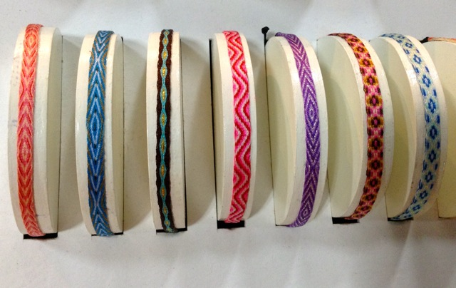 bracelets tissés soie colombie