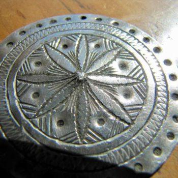 medaillon petales argent maroc