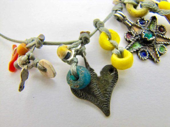 argent berbere corail grigri jaune